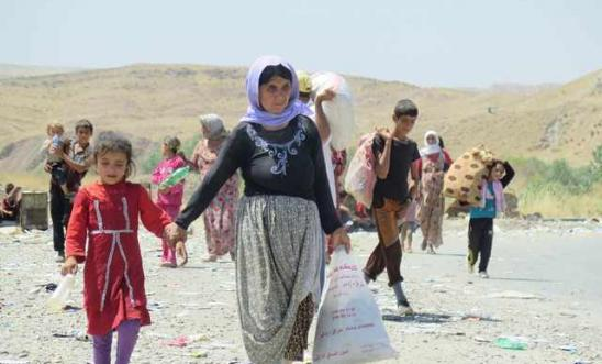 199071_displaced_yezidis_fleeing_mount_sinjar_1
